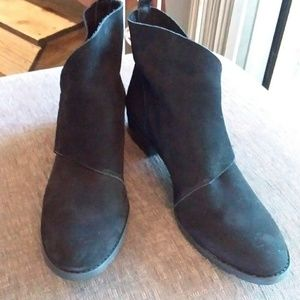 NWT Walking Cradle Black Ankle Boots